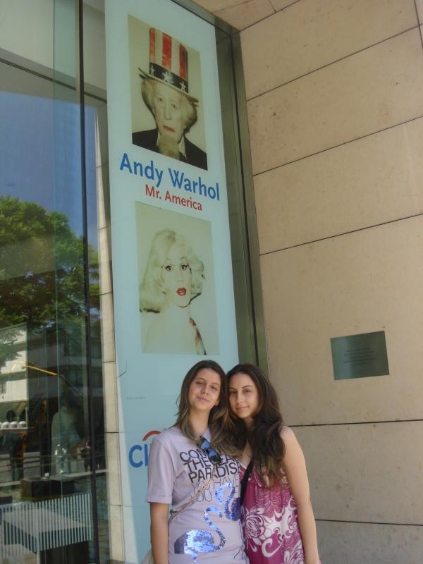 """""""Eu e minha irmã no museu Malba """""""
