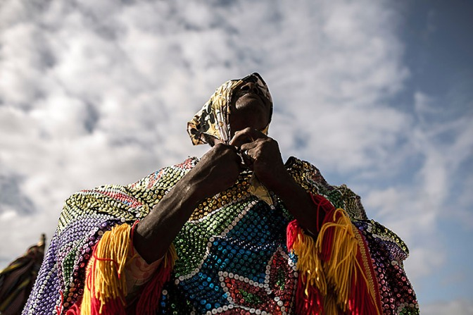 Ensaio sobre o Maracatu Rural Cambinda Brasileira, no Engenho Cumbe durante os anos de 2012/2013.