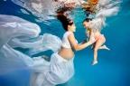 Grávidas debaixo d'água mostram a felicidade de se tornarem mães